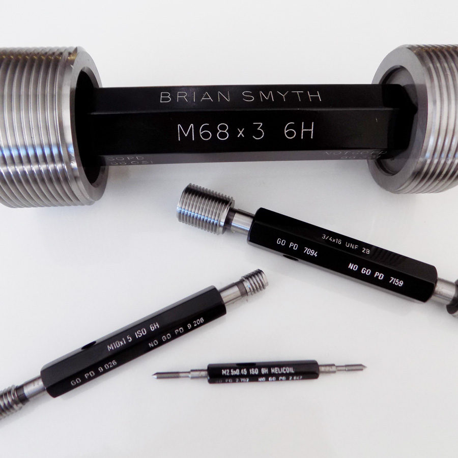 Plug gauges from Brian Smyth Company are manufactured to class 6H (Medium Fit) as standard and comprises a Go gauge member which checks the Major and Effective diameters are not undersize (maximum material condition), at the same time checking the pitch or flank features are to specification. The No Go gauge member checks the Effective diameter is not oversize (minimum material condition).